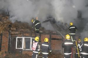 Thatch fire safety advice - The thatcher